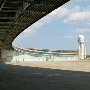 Как жители Берлина отобрали у властей аэропорт — Иностранный опыт на The Village