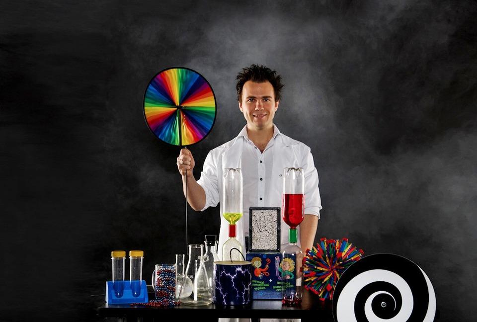 «Научное шоу профессора Николя»: Бизнес на червяках, сухом льду и химических опытах — Сделал сам на The Village