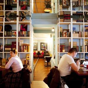 После прочтения съесть: 5 кафе при магазинах — Рестораны translation missing: ru.desktop.posts.titles.on The Village