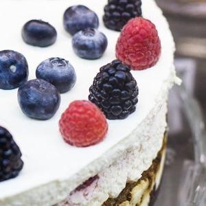 Анна Белодедова о кондитерской Upside Down Cake Co