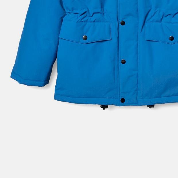 Как ухаживать за верхней одеждой и хранить её в тёплое время года