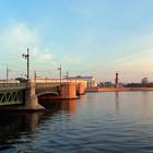 Дворцовый мост могут сделать пешеходным