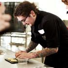 Omnivore Food Festival: Алекс Жилюк готовит картофельные оладьи с чёрной икрой и баллотин из ягнёнка