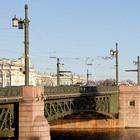 Дворцовый мост начнут реконструировать осенью