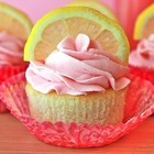 Лимонно-малиновые капкейки
