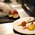 Еда в ресторанах должна подорожать на 30%