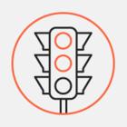 Движение у Банковского моста ограничили из-за демонтажа грифонов
