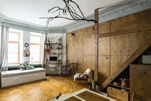 Квартира-студия со вторым ярусом и разнообразным декором (Петербург)