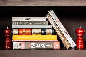 Кулинарное чтиво: Шеф-повар Иван Шишкин о 10 книгах