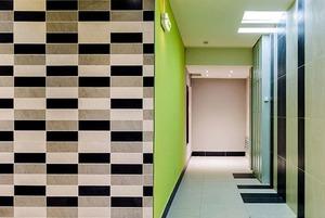 «А не попал ли я в прошлое?»: Специалисты по ремонту — об отделке квартир по программе реновации
