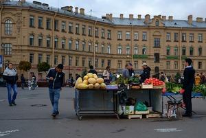 Уходит эпоха: Что происходит на Сенной площади