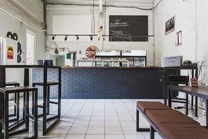 Киоск Hamam burger, пивной бар Cans & Beer, ресторан «Семирамис» и кафе «Счастье не за горами»