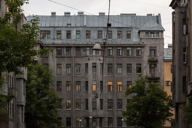Я живу в доме Бассейного товарищества (Петербург)