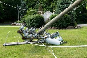 Как не погибнуть от оборванного провода на улице