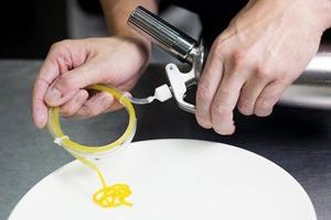 Московские шеф-повара о любимых кухонных инструментах