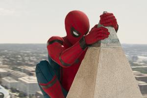 """«Человек-паук: Возвращение домой», «Во всем виноват енот» и «Эксперимент """"Офис""""»"""
