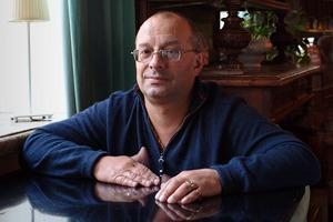 Охранник кафе «Маяк» о драках, политике и повадках московской интеллигенции