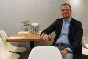 Barclay на Моховой: Как бывший топ-менеджер открыл ресторан и теперь работает в нем официантом