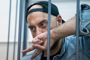 Что говорят у суда, где решается вопрос об аресте Кирилла Серебренникова