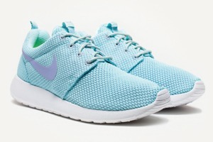Кроссовки Nike, часы G-Shock, брюки Sandro, джинсы Koral