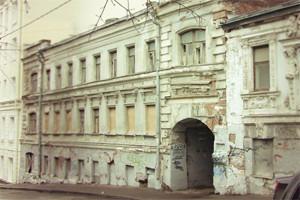 В зоне риска: Дом с кариатидами в Печатниковом переулке