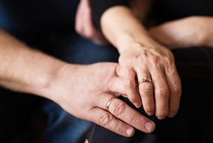 «Соседка пошутила, что мой вариант — сантехник»:  Семьи Владивостока о своих историях любви