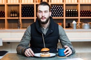 Даниил Сергеев о кафе The Burger Brothers