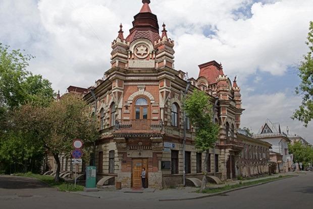 «Я живу в доме-памятнике купца Файнберга в Иркутске»