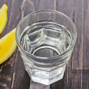 Нальют ли в кафе бесплатный стакан воды в жару