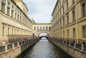 «Хватит продавать пельмени». Эксперт — о том, почему Петербург получил World Travel Awards