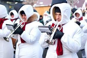 Люди в городе: Продавцы рождественской ярмарки на Островского
