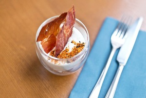 Кафе и бар Holy Fox, бистро United Kitchen на ВДНХ, ресторанный маркет The 21
