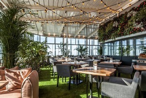 Ресторан в 354 метрах над землей, соседский ресторанный день и завтраки на любой вкус