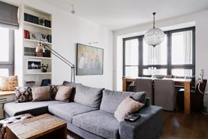 Четырёкомнатная квартира в американском стиле для семьи с двумя детьми