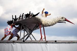 События недели: концерт The XX, Николас Джаар на парковке и фестиваль летательных аппаратов