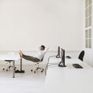 Странные люди: 5 неожиданных фактов о поведении сотрудников в офисе