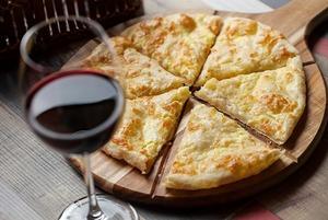 «Хачапури и вино» на Социалистической
