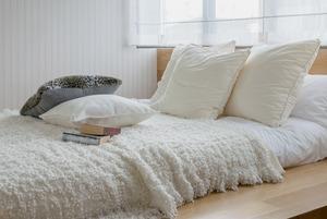 Летний режим: Что нужно поменять в спальне с наступлением тепла