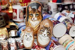 Продажные лица: Кого рисуют на матрёшках