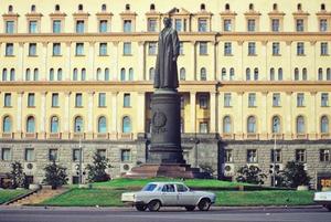 Есть вопрос: Какие темы выносили на общегородские референдумы в России