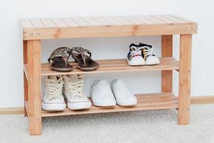 Жители Флоренции, Вены, Нью-Йорка, Мадрида, Лондона — о том, нужно ли снимать обувь в гостях или нет