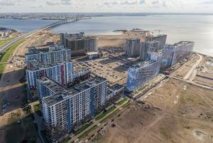 Шум, ветер, песок в квартирах и запах моря: Как живут новоселы на намыве Васильевского острова