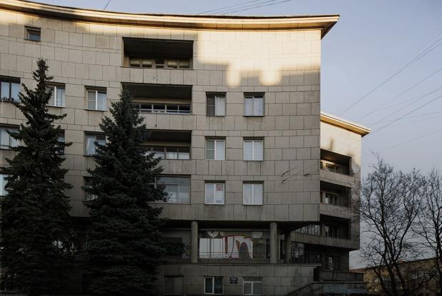Я живу в доме Ленсовета на Карповке (Петербург)