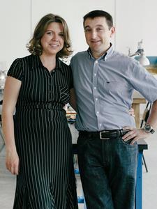 «Марсель Роберт»: Как семейная пара поставляет чехлы для айфона в re:Store и скайшопы