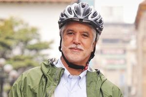 Энрике Пеньялоса: «Спускаться под землю, чтобы перейти улицу, — это ужасно»