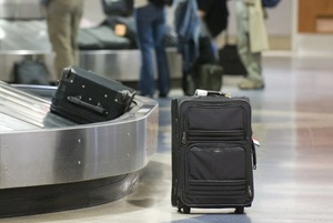Придется ли платить за провоз в самолете верхней одежды, компьютеров и телефонов