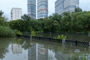 Она утонула: Последствия рекордного ливня в Москве