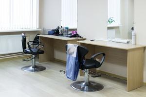 Как работает православная парикмахерская в Петербурге