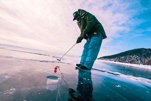 Зачем ехать на турнир по ice-гольфу на Байкале