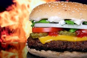 Самый дорогой и самый дешевый гамбургер в Иркутске